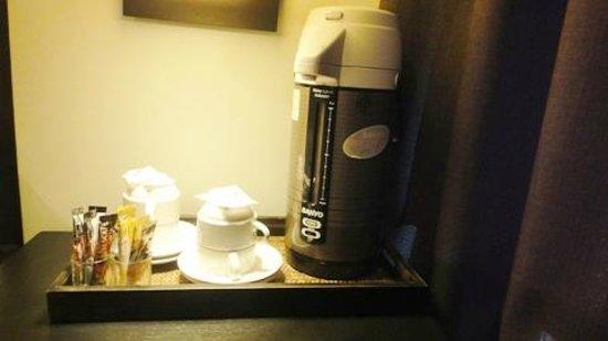 Miramar Hotel Bangkok: the little coffee/tea corner