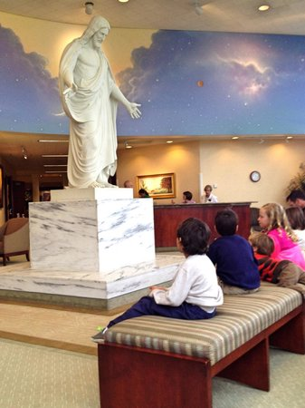 St. George Temple: Inside visitor center