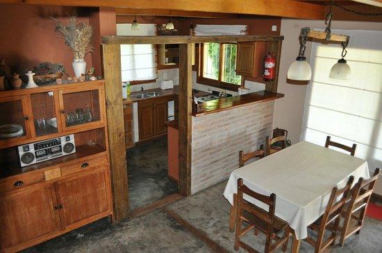 Cocina-comedor de la Casa de campo: fotografía de Las Macluras ...
