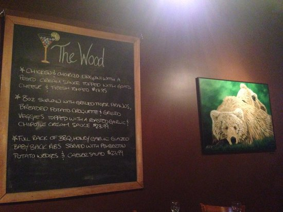 The Wood Restaurant & Lounge: Love this place!