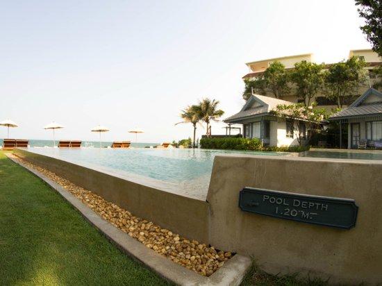 Devasom Hua Hin Resort: Main pool