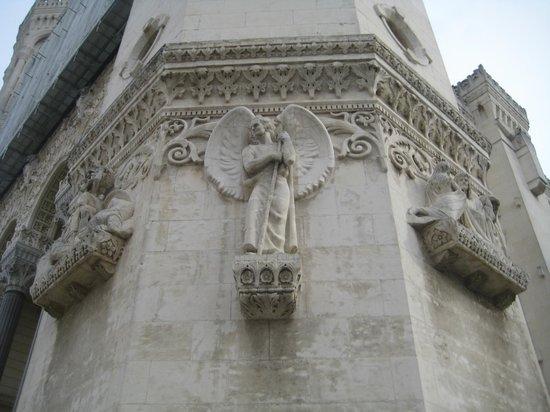 Basilique Notre Dame de Fourviere: Facade detail