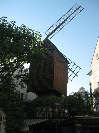 SANDEMANs NEW Europe - Paris : Moulin de la Galette