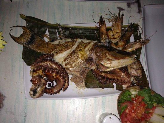 Mivida Tapas Bar&Restaurant: Our meal!