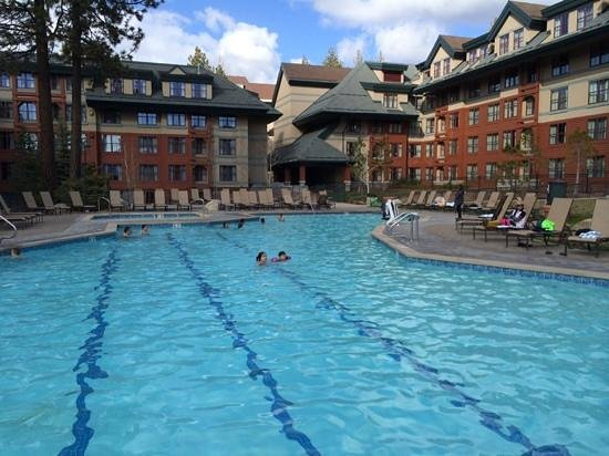 Marriott's Timber Lodge: heated outdoor pool