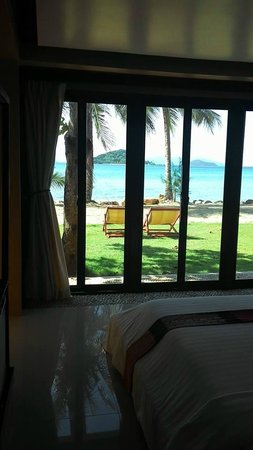 Seavana Beach Resort Koh Mak: View from the beach front suite