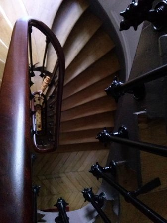 Appartement d'hotes Folie Mericourt: The many stairs