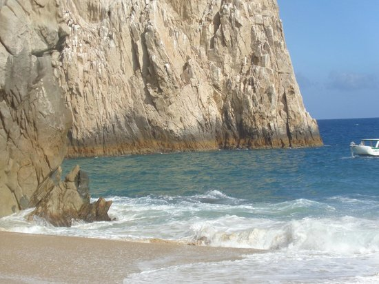 Holiday Inn Resort Los Cabos All-Inclusive: Rumbo a mar abierto en Cabo San Lucas a buscar ballenas