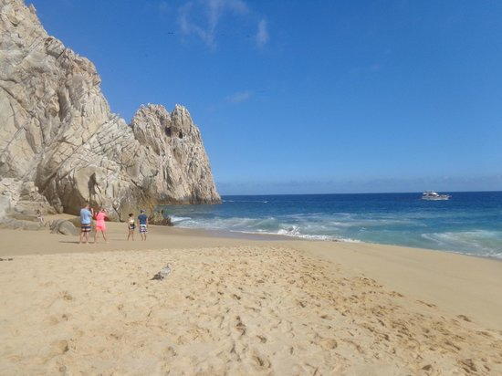Holiday Inn Resort Los Cabos All-Inclusive: La playa del Divorcio en Cabo San Lucas