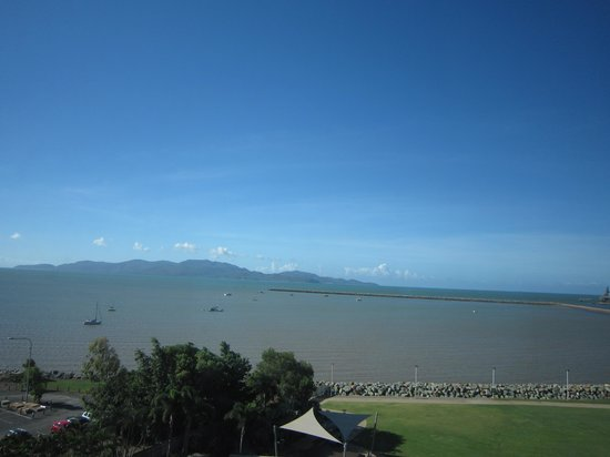 The Ville Resort-Casino: The view to magnetic island.