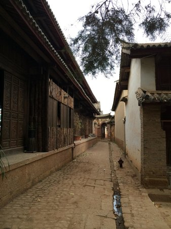 Yunnan Shaxi Ancient Town: Still original, not yet over touristic like Lijiang or Dali