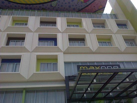 MaxOneHotels @ Vivo Palembang: Pemandangan dari luar