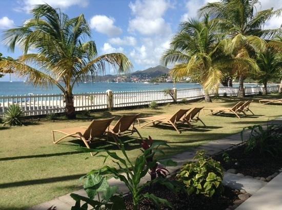 Radisson Grenada Beach Resort : view from our beachfront room