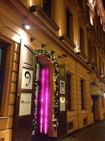 Grandior Hotel Prague: Hotel Entrance