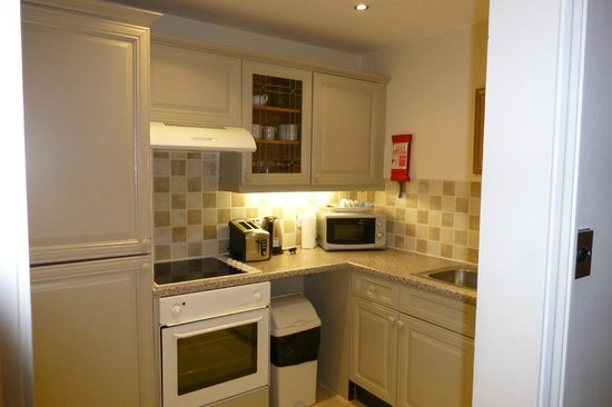 Collingham Serviced Apartments: Room114 Kitchen