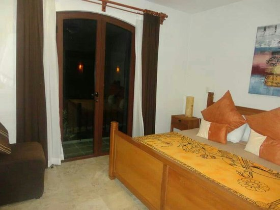 Acanto Hotel & Condominiums: Room