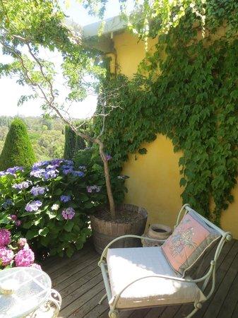 Ashrowan Bed & Breakfast: The terrace at Ashrowan