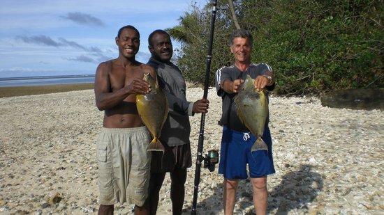 Vatukarasa Village: Vatukarasa Reef Fishing with Peceli and Simon