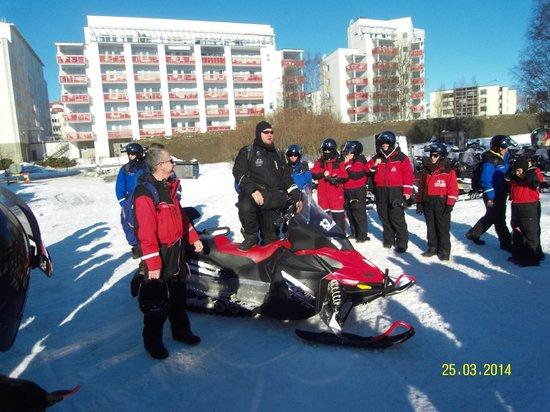 Lapland Safaris - Rovaniemi: Finland-Rovaniemi-Lapland Safaris-snowmobile safari