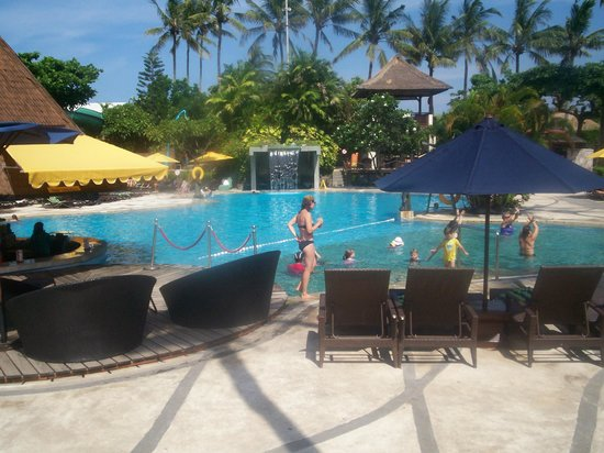 Bali Dynasty Resort Hotel : Pool at the Bali Dynasty