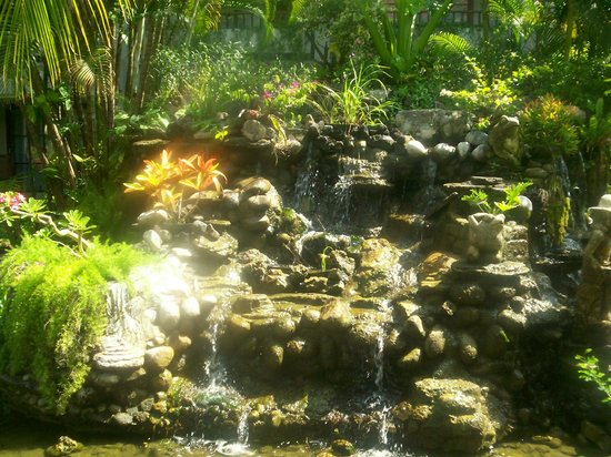Bali Dynasty Resort Hotel : Beaut rockery