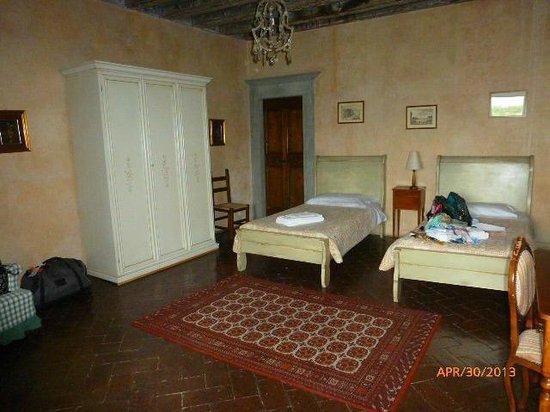 Castello di Montegufoni : 2ND BEDROOM