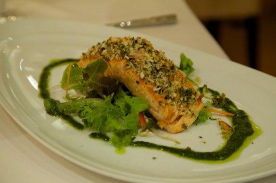 Cafe des Amis : Tasmanian salmon.