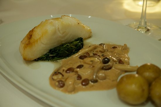 Cafe des Amis : Oven-baked snow fish.