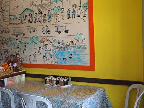 Lola Idang's Pancit Malabon: inside store