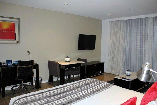 Meriton Serviced Apartments - Broadbeach: Our gorgeous studio room