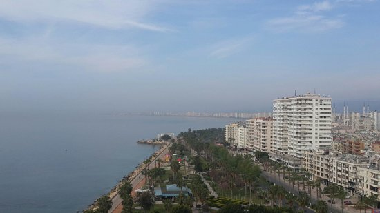 Mersin HiltonSA: The sea view from the 11th floor