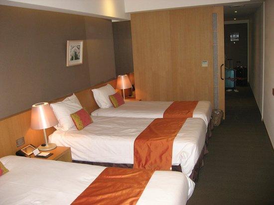 Hotel PJ Myeongdong : プレミアムトリプルのベッドルーム