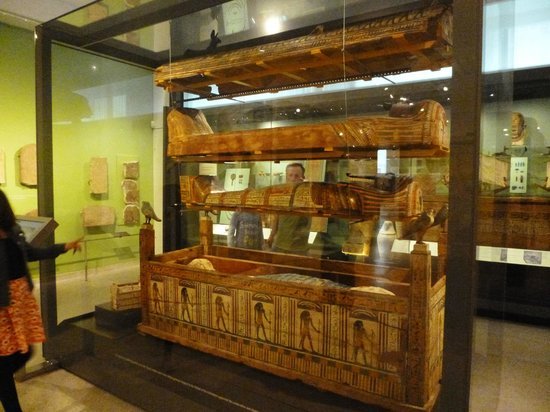 Ashmolean Museum of Art and Archaeology: Egyptian sarcophagus explained