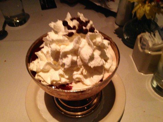 Old Ebbitt Grill: Our BIG hot fudge sundae!
