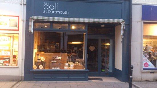 Dukes Delicatessen: Great deli in Dartmouth.