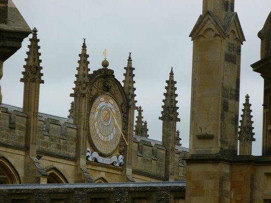 Footprints Tours Oxford: Sundial at All Souls College