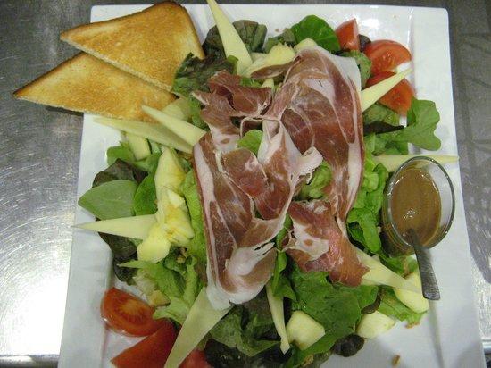 salade savoyarde Brasserie Les hauts du Lac - Thonon les Bains