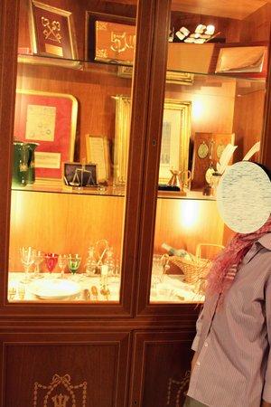 Hotel Inglaterra: 記念の品々に歴史が感じられる。