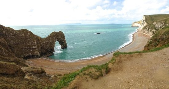 Bindon Bottom B&B: Durdle Door looking west to Portland