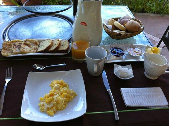 Manzil la Tortue: breakfast