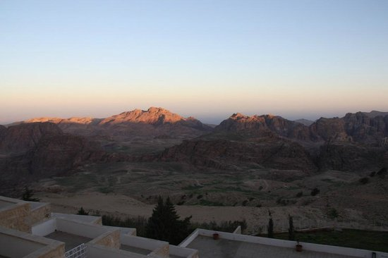 Petra Panorama Hotel : Sunrise view taken from room window