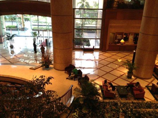 Crowne Plaza Hotel Jakarta: ロビー