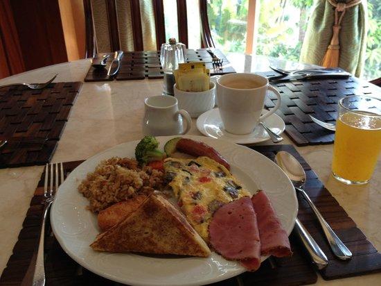 Crowne Plaza Hotel Jakarta: 朝食