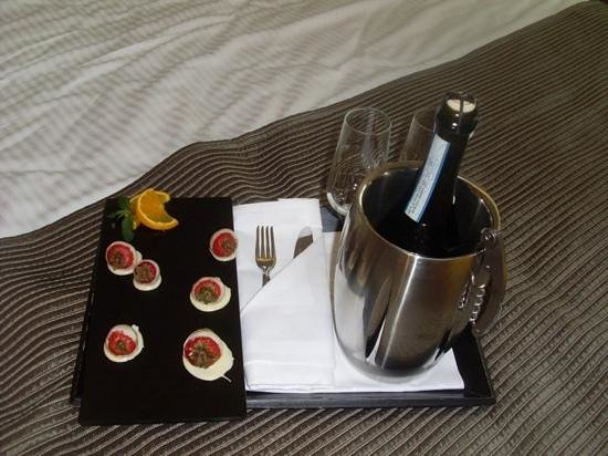 Eurostars Book Hotel : A lovely surprise for our honeymoon! Thank you.