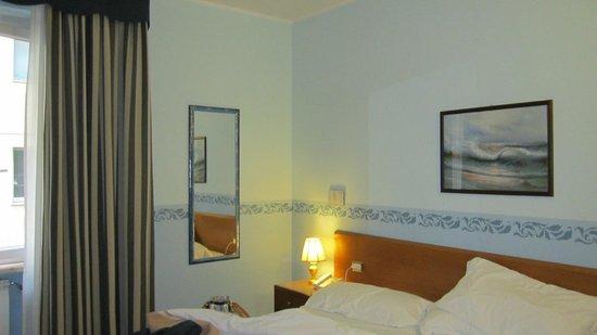Hotel Terminus & Plaza : Camera matrimoniale