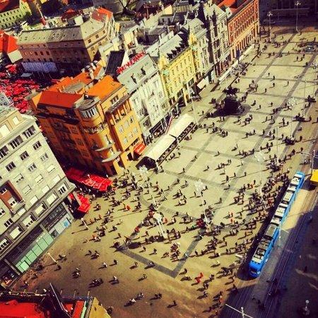 Zagreb Eye: main square