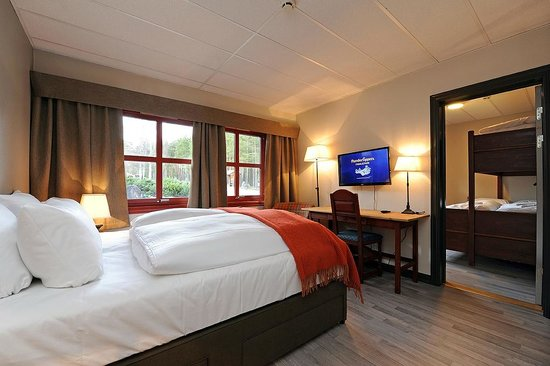 Hunderfossen Hotell & Resort: Våre familierom tilbyr soveplass for opp til 5 personer i to rom.