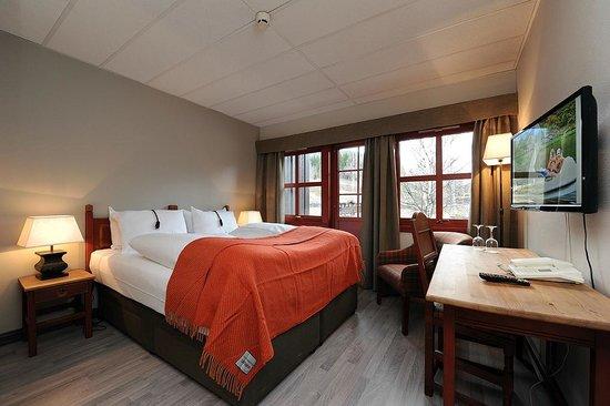 Hunderfossen Hotell & Resort: Et av våre Standard deluxe rom. Noen av disse vil også ha nedfellbar køyeseng eller connecting