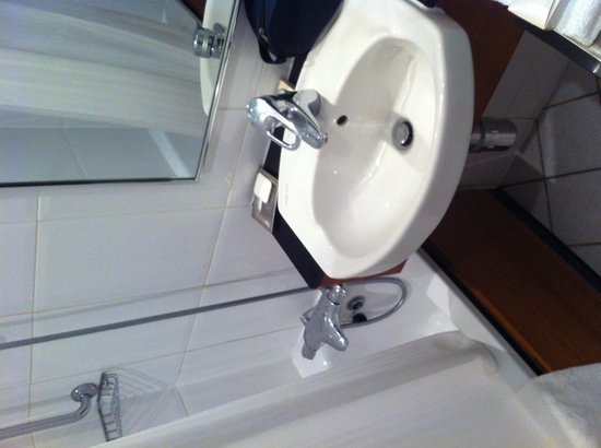 Hilton Aberdeen Treetops Hotel: Bath