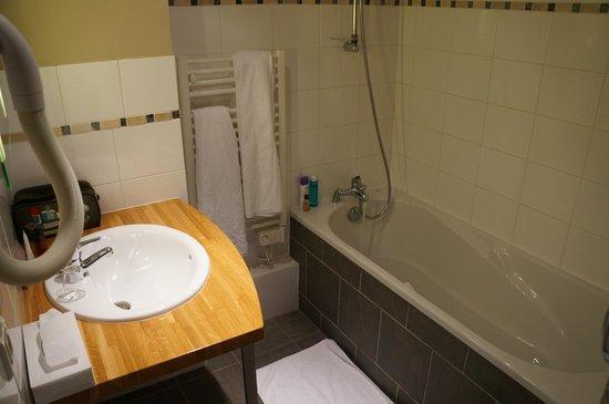 Hotel Les Esclargies: Salle de bain